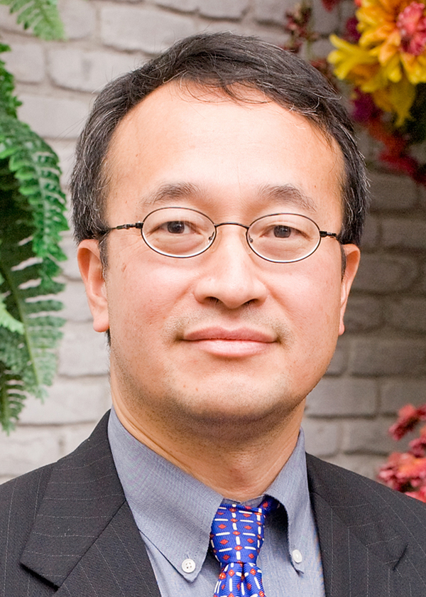 Photo of Kemin Zhou